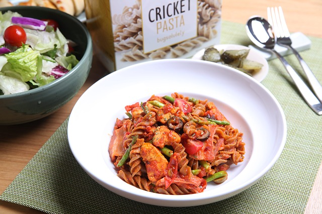 cricket-1845761_640